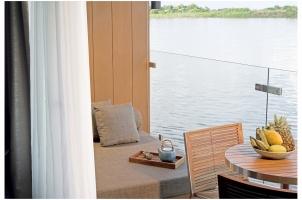 Aqua Mekong Design Suite With Balcony - High Resolution