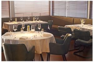 Aqua Mekong Dining Room - High Resolution (2)