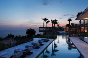 Alila Villas Uluwatu - panorama sunset cabana