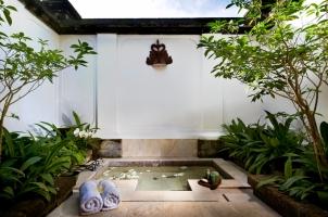 Amandari Suite Sunken Bath