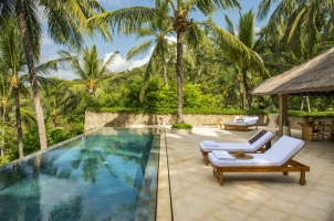 Situated high on the hillside overlooking the Lombok Strait, the 302 square-metre (3,251 square foot) Kilasari Suite has a 12 metre (39 feet) private infinity pool overlooking the mountainside as well as an expansive terrace