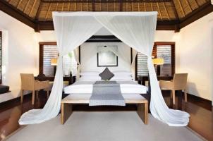 Kayumanis Ubud - master bedroom