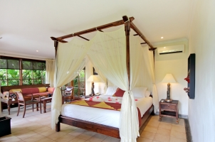 Bali - The Damai - Garden Villa Bedroom