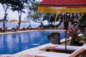 The Oberoi Beach Resort Bali - Sun Deck at Main Pool