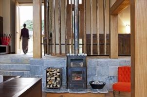 Como Punakha - Living Room and Entrance