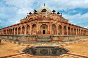 India - Humayun Great Mogul mausoleum New Delhi