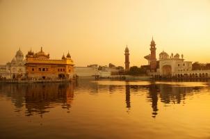 India - Sunrise Golden Temple Amritsar Punjab