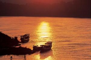 Laos - Mekong promenade