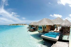 Maledives - Huvafen Fushi Lagoon Pool