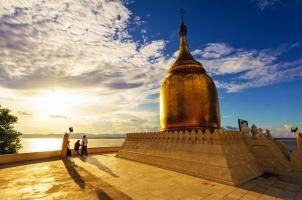 Myanmar - Pagoda Bagan