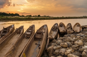 Nepal - Sunset over the river Chitwan Nationalpark