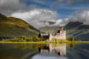 Scotland - Reflection of Kilchurn Castle in Loch Awe Highlands