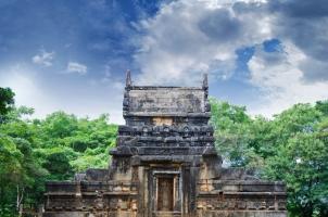 Sri Lanka - Nalanda Gedige