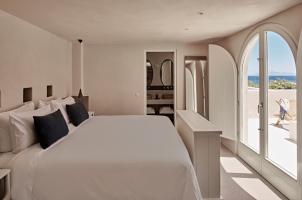 Istoria Santorini - Suite Bedroom