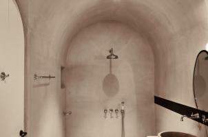 Istoria Santorini - Suite Bathroom