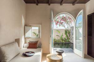 Istoria Santorini - Tarina Suite Living Area