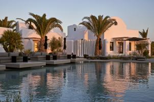 Omma Santorini - Sunset Pool View