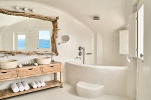Mystique Santorini - 2 Senses Bathroom
