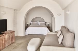 Mystique Santorini - 2 Senses Bedroom