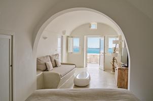 Mystique Santorini - 2 Senses Livingroom