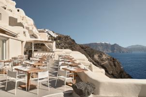 Mystique Santorini - Charisma Restaurant
