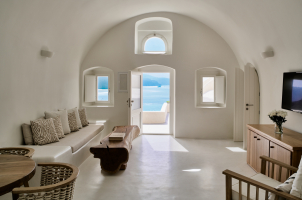 Mystique Santorini - Holistic Villa Livinigroom