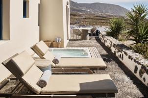 Vedema Santorini - Aegean Suite Pool