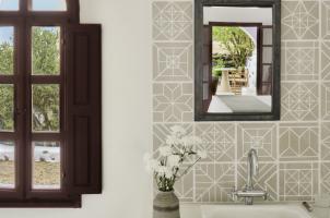 Vedema Santorini - Athenian Suite Bathroom