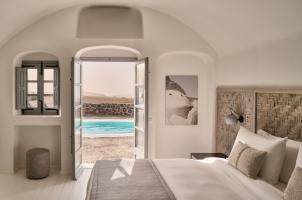 Vedema Santorini - Olympian Villa Bedroom