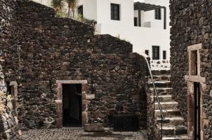 Vedema Santorini - Grill Area