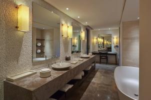 The Romanos Costa Navarino - Bathroom