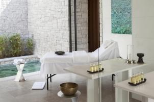 Amanzoe - Spa treatment room