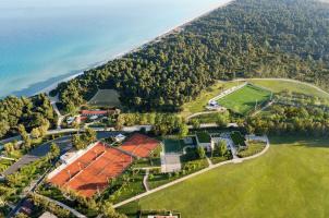 Sani Asteria - Tennis Court