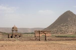 Amanbagh - Ajabgarh Ruins