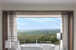 The Oberoi New Delhi - kohinoor suite bathroom