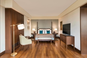 The Oberoi New Delhi - kohinoor suite bedroom