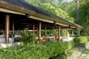 Amanwana - Dining Room