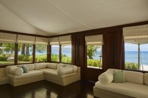 Amanwana - Ocean tent living area