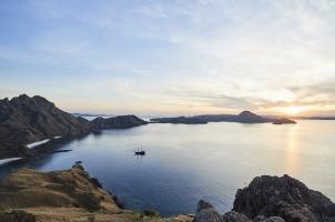 Amanwana -Pulaul Padar sunset