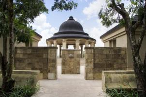 Amanjiwo - Dalem Jiwo Entrance