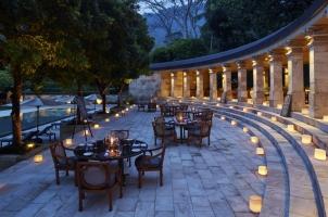 Amanjiwo - Pool club bistro dinner