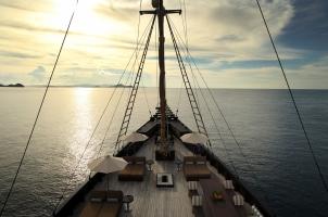 Indonesia Alila Purnama - The Deck