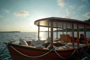Bawah Reserve - Sunsest Boat Trip