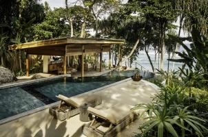 Nihi Sumba - Amole Treehouse - Main pool and outdoor living room