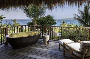 Nihi Sumba - Kanatar Sumba House - outdoor bathtub