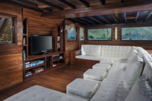 Samata Cruise - Inside Lounge