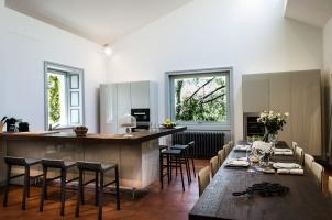 italy-lake-como-bawa-tours-travel-villa-cira-kitchen