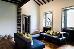 italy-lake-como-bawa-tours-travel-villa-cira-livingroom