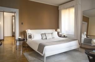 Aman Venice - Palazzo Bedroom
