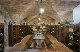 COMO Catello del Nero - The Wine Cellar